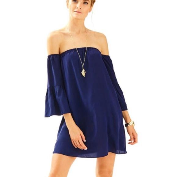e117879ba86a Lily Pulitzer off the shoulder Dress Navy blue